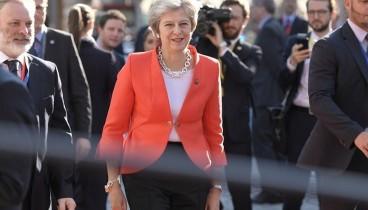 "Brexit χωρίς καμία συμφωνία ""βλέπει"" η Τερέζα Μέι"