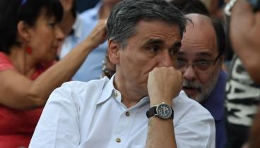 Τσακαλώτος: Πιστεύουμε ότι θα επικρατήσει η λογική και θα αποφευχθεί η μείωση των συντάξεων