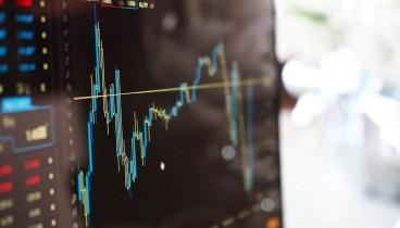 Οι πληροφορίες για σχέδιο μείωσης των κόκκινων δανείων έφερε κέρδη στο Χρηματιστήριο