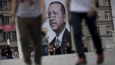 Εκατοντάδες στελέχη σωμάτων ασφαλείας τέθηκαν σε διαθεσιμότητα στην Τουρκία
