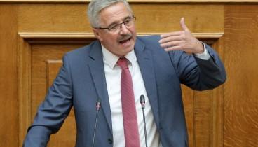 Επίκαιρη ερώτηση προς τον πρωθυπουργό για τον Μ. Πετσίτη κατέθεσε ο Γ. Μανιάτης