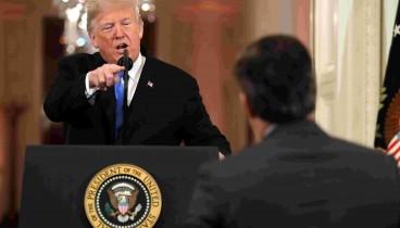 Δικαστικό «χαστούκι» στον Τραμπ-Διαταγή να επαναφέρει τη διαπίστευση του Ακόστα