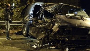 Βρασνά: Ένας 4χρονος νεκρός και 27 τραυματίες σε δυστύχημα (φωτογραφίες)