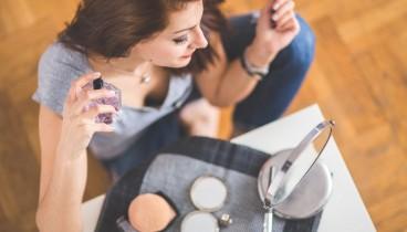 Πώς θα παρατείνεις τη διάρκεια του αρώματός σου