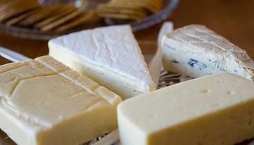 Γιατί δεν μπορούμε να αποχωριστούμε το τυρί;