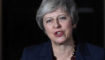Η Μέι πήρε το ΟΚ της κυβέρνησης για το Brexit