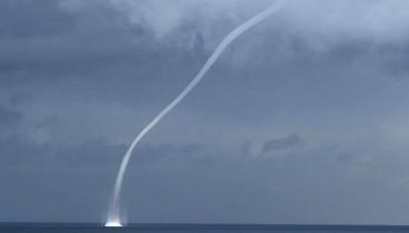 Υδροσίφωνες ή ανεμοστρόβιλοι θάλασσας - Θεαματικό αλλά επικίνδυνο φαινόμενο
